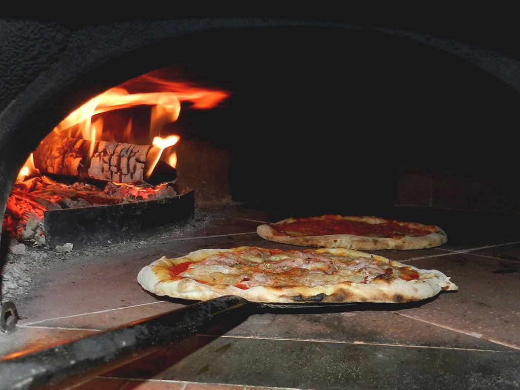 Symbolfoto Pizzaofen